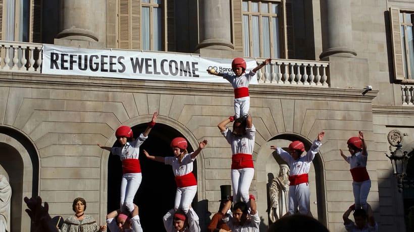barcelona-erasmus-traveling-weekend-park-guell-nomad-nomada-reunion-viaje-viajar-spain-espana-castellers-refugees-welcomes-refugiados-bienvenidos-human-towers-catalunya-catalonia-catalan.jpg
