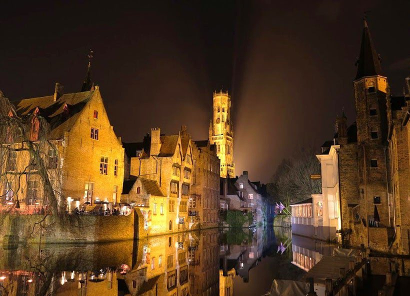 bruges, photo, photography, what to do, things to do, best places, best spots, square tower, where to sleep, location, place, what to see, where to eat, food, brussels, day trip, train, history, square, market, beguinage, brugge, beer, night