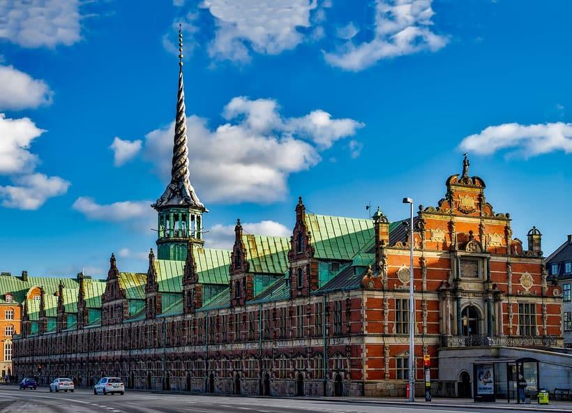 Copenhagen, visit, things to do,highlights, europe, travel, hotel, sort, apartment, airbnb, mermaid, viking, canal, park, food, danish, denmark