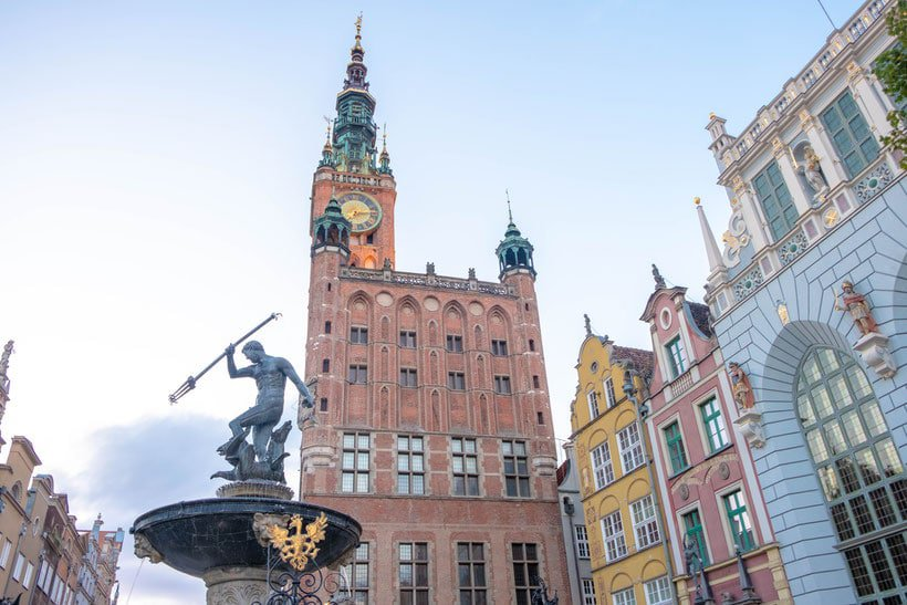 free walking tour gdansk, free tour, poland. things to do, attractions gdansk, map, restaurants, where to eat, pomerania, travel blog, kashubia, party, vodka, food, where to stay, panorama, instagram, photos, church, amber