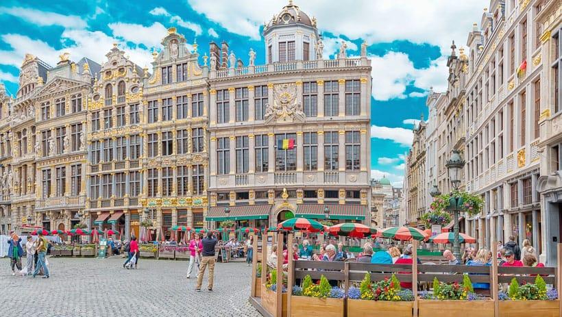 hotel, viajar, viaje, centrico, desayunar, comida tipica, que hacer, bruselas, belgica, comida, comer, barato, calidad, buena, bien, cenar, almuerzar, restaurante, patatas fritas, cerveza, gofre, carne, artesanal, repollitos, centro,