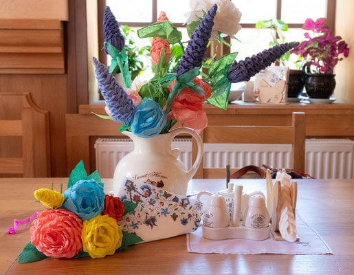 Pomerania province decorations in Gdansk, Polish flower centerpiece on table