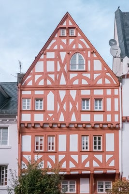 rhine river day cruise, day trip, rhine river valley, attractions, reviews, prices, europe, castle, village, wine, germany, cologne, frankfurt, mainz, koblenz, rudesheim, boppard, bacharach, one day, full day, avalon, viking cruises, loreley rock, unesco,