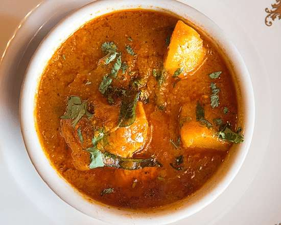 Love Indian food? You cannot miss the following top 4 Indian Meals to Try on Your Travels. What is your favorite? #foodie #indianfood