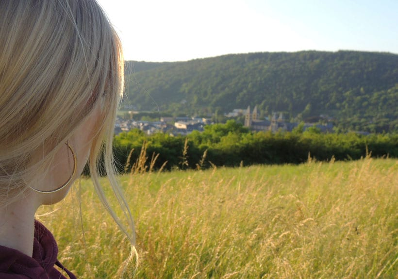Luxembourg, luxemburgo, turismo, tourism, echternach, visit, que hacer, restaurants, willibrord, dancing procession, denzelt, medieval, maket place, culture, hiking, nature, naturaleza, senderismo, grave, shrine, saint, pilgrimage, luxemburgo