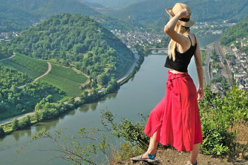 mosel river valley, things to do, visit, travel, castle, white, wine, germany, cruise, village, hiking, trekking, bernkastel, moselle, luxembourg, calmont, klettersteig, tasting, red wine, food, german, excursion, day trip, eltz castle, burg, moselschleif