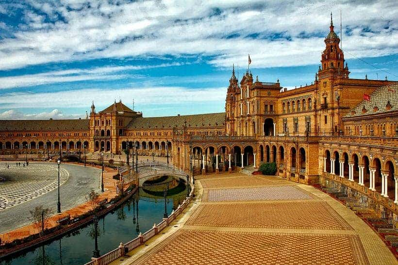 popular day tours in malaga spain, view of the plaza de españa in seville