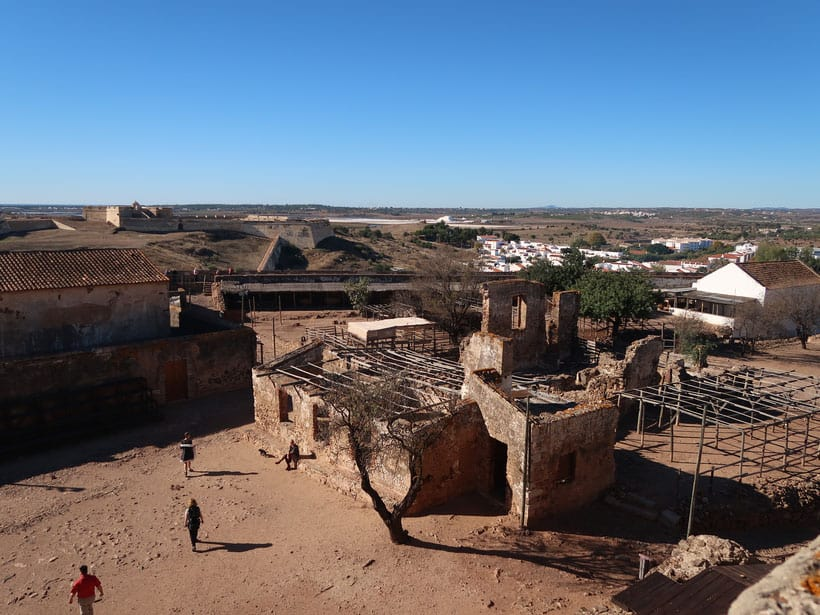 fun things to do in algarve, view of Castelo de Castro Marim