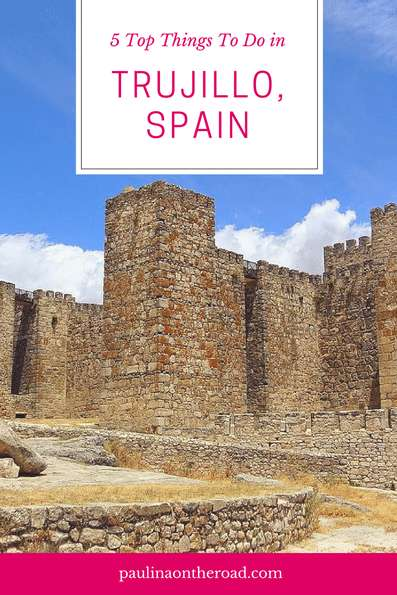 What to do in Trujillo, Extremadura (Spain)? From its stunning Plaza Mayor, impressive history of conquistador of Peru Pizarro. Where to stay, Best places to eat and to visit. #trujillo #spain #travelblog #extremadura