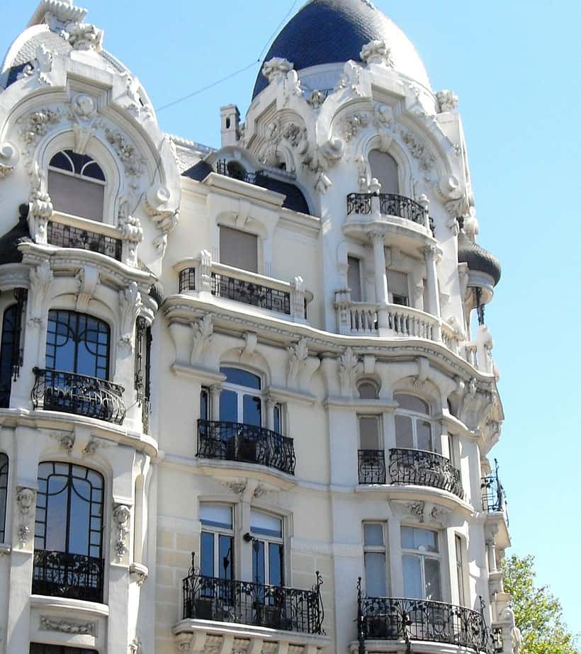 Delicate Housefronts in Chamberi, where to stay in madrid with family, best neighborhoods in madrid to stay