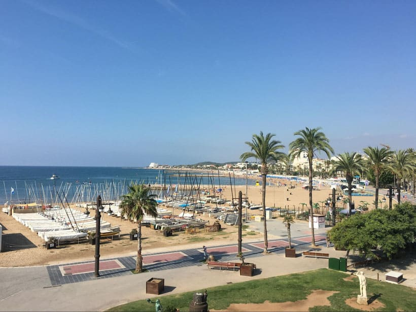 where to stay in spain, hotel, resort, spain, travel, blogger, recommend cheap, budget, deal, best place to stay, holiday letting, villa, barcelona, costa del sol, ibiza, luxury, accommodation, spanish, apartment, self-catering, , sitges, castel, tour