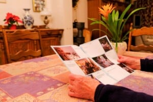 photo gift, picture gift, traveller, expat, cheap gift idea, grandmother, grandfather, aborad