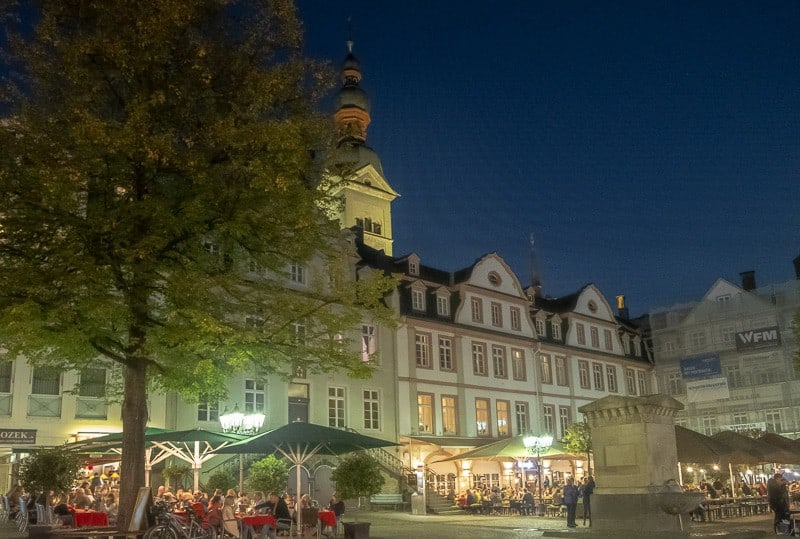 things to do in koblenz, am plan square at night