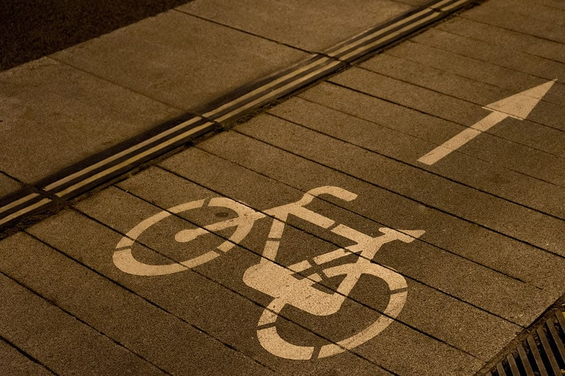 cool things to do in milwaukee, bike decal on the street