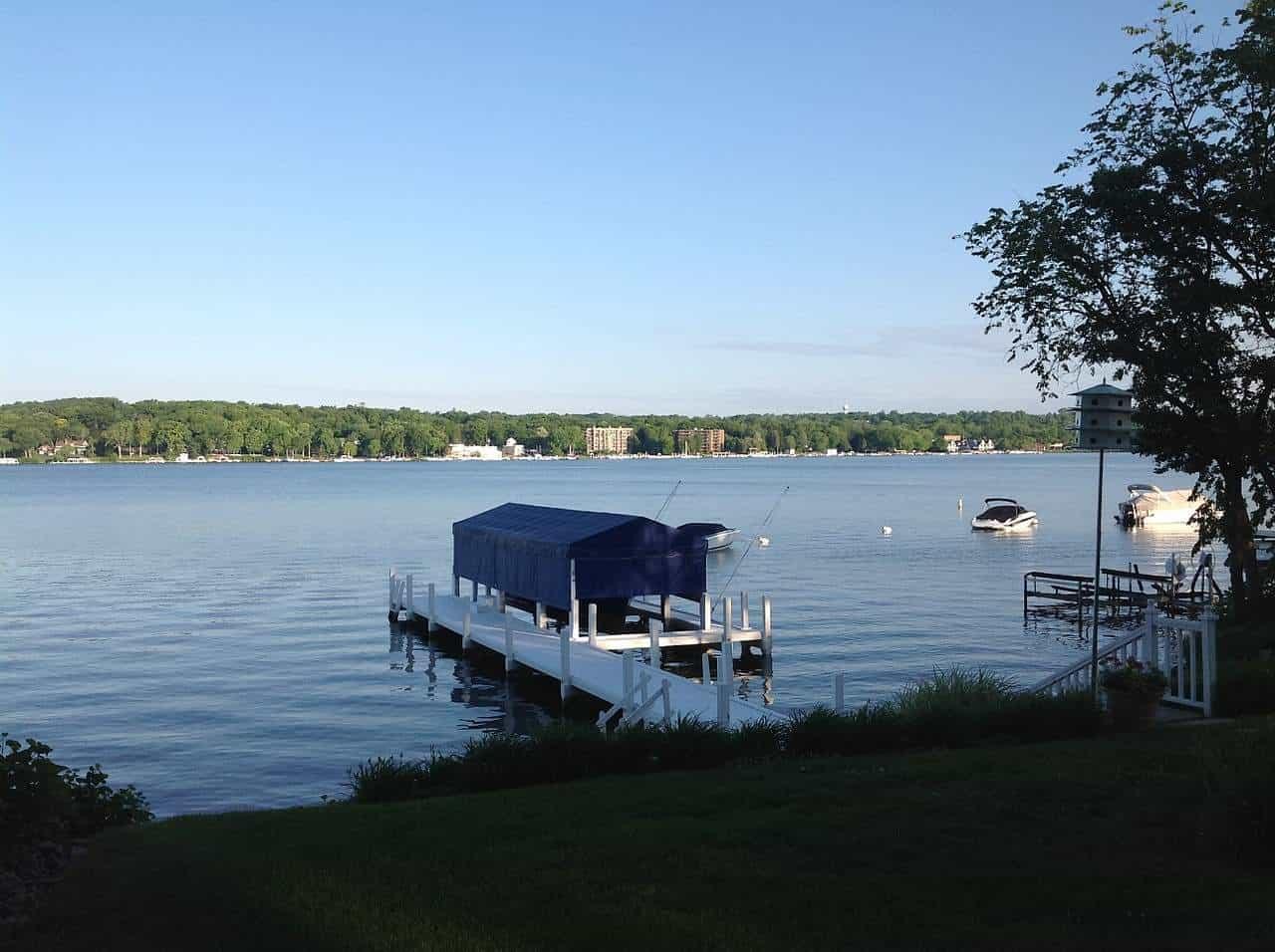 best wisconsin vacation ideas, cabin getaway, lake geneva, door county, madison, milwaukee, wisconsin weekend trip, getwaway, hiking, outdoor, lake cabin