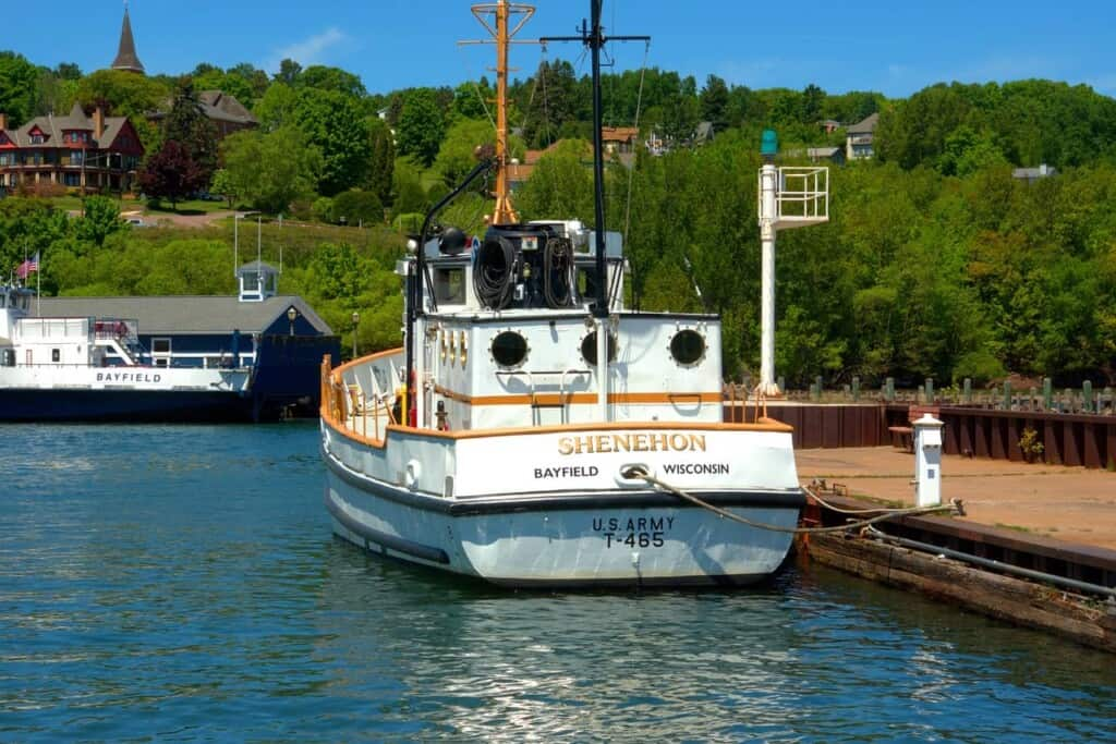 bayfield wisconsin day trips ship excursion