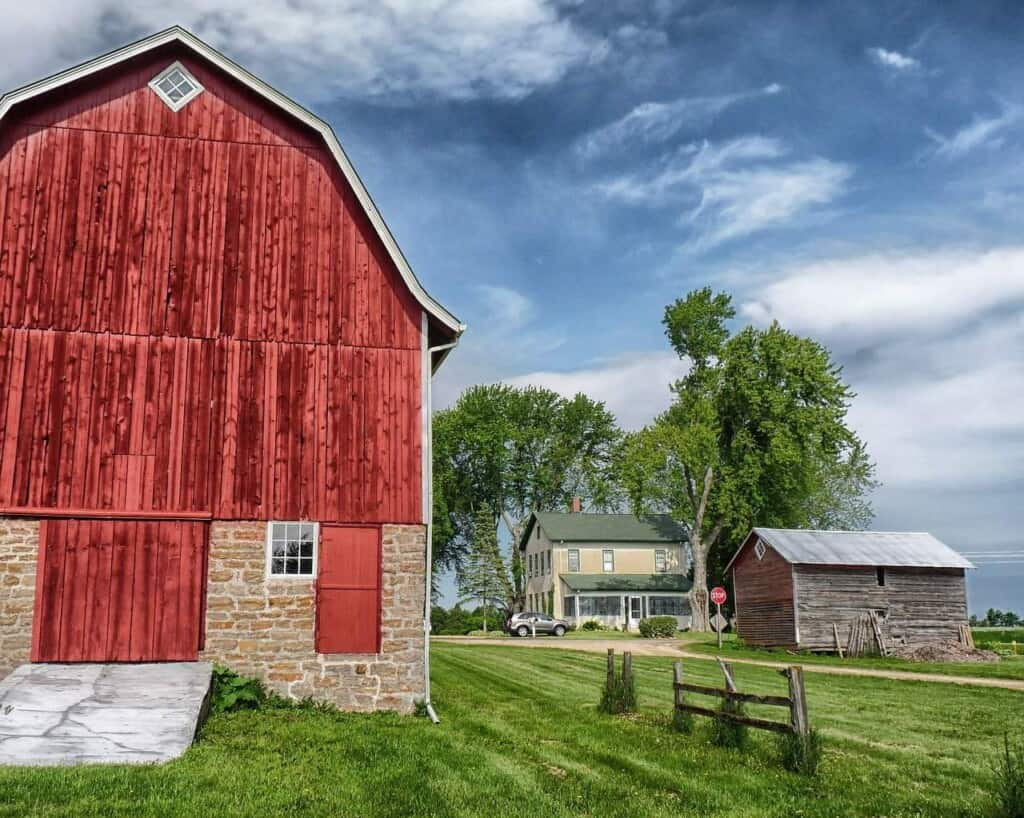 wisconsin day trips from milwaukee, barn at old world wisconsin