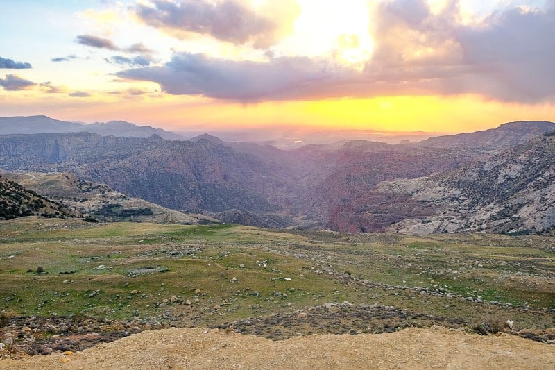 jordan 10 day itinerary, what to do in jordan, things to do in jordan, petra, aqaba, jordan hotels amman, jerash, dead sea, spa, luxury hotels, wadi rum, diving, hiking, treasury, amman, jerash, dead sea, spa, wellness, luxury, karak
