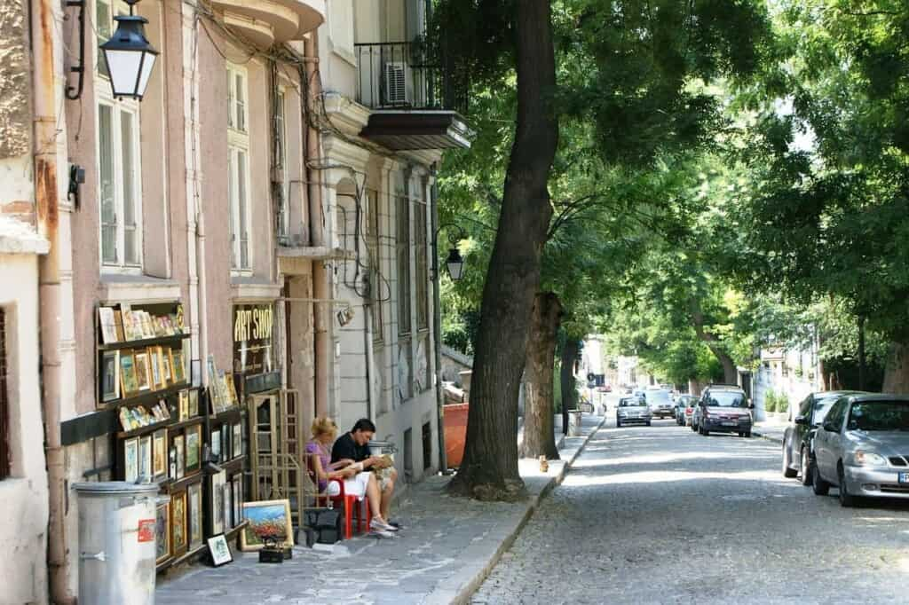 what to do in plovdiv, street in plovdiv bulgaria, travel tips