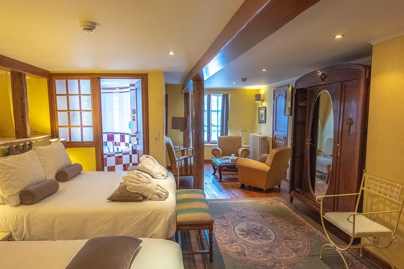 hotels in bouillon, day trips from luxembourg, day trip from brussels, hotel de la poste, ardennes, bouillon, wallonia, hiking in belgium, food, restaurant, castle