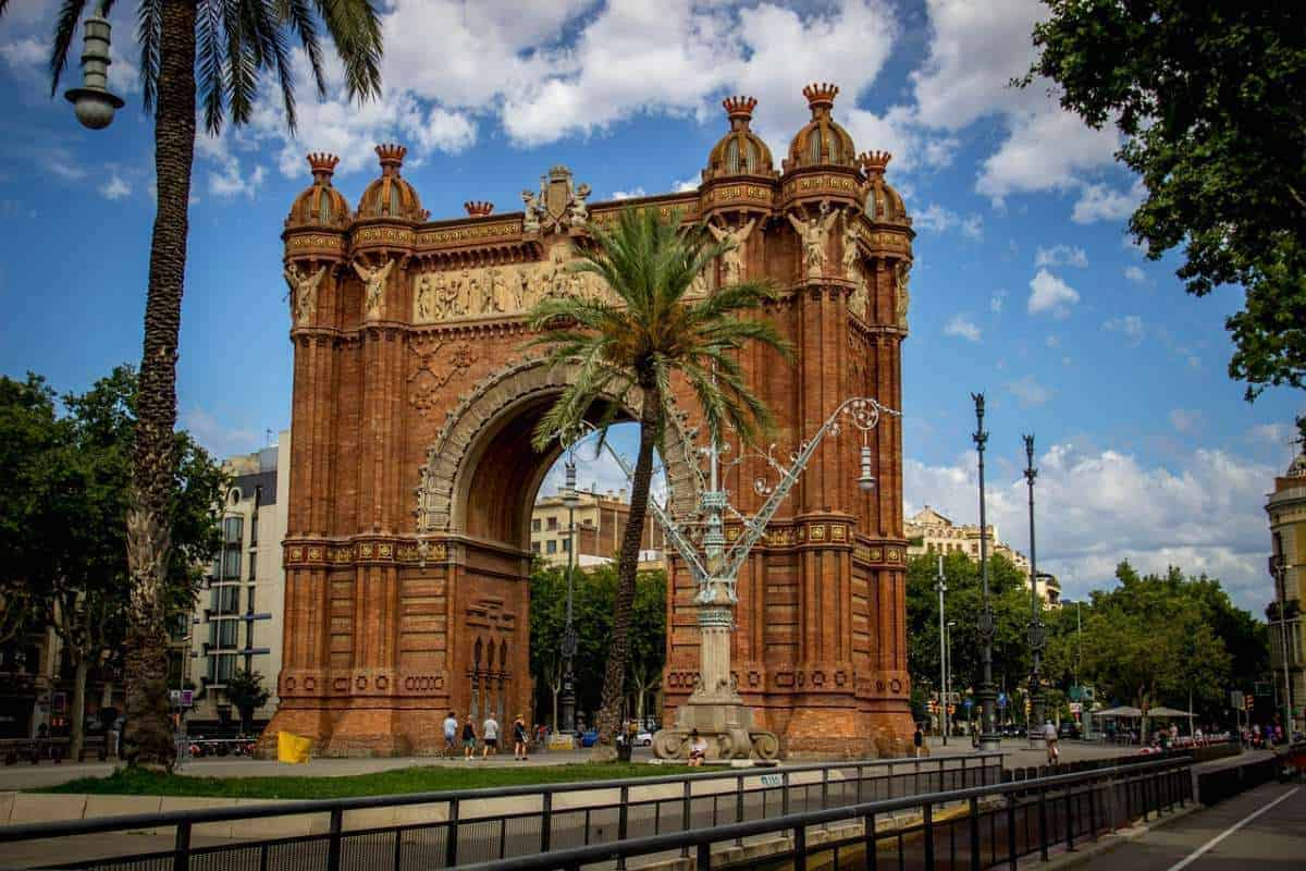 Most iconic landmarks in Bacelona, view of the Arc de Triomf