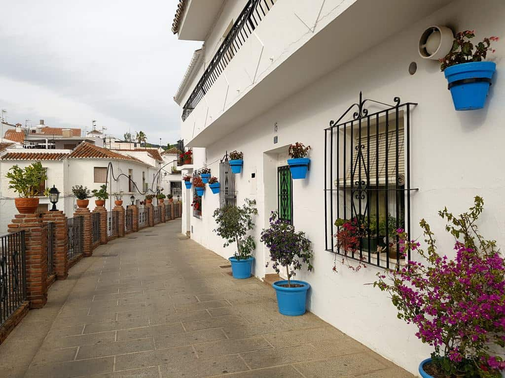 nature places in spain, most beautiful nature in spain, white house in mijas