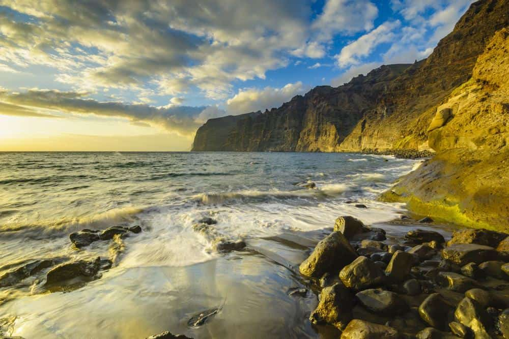 where to stay in tenerife, los gigantes