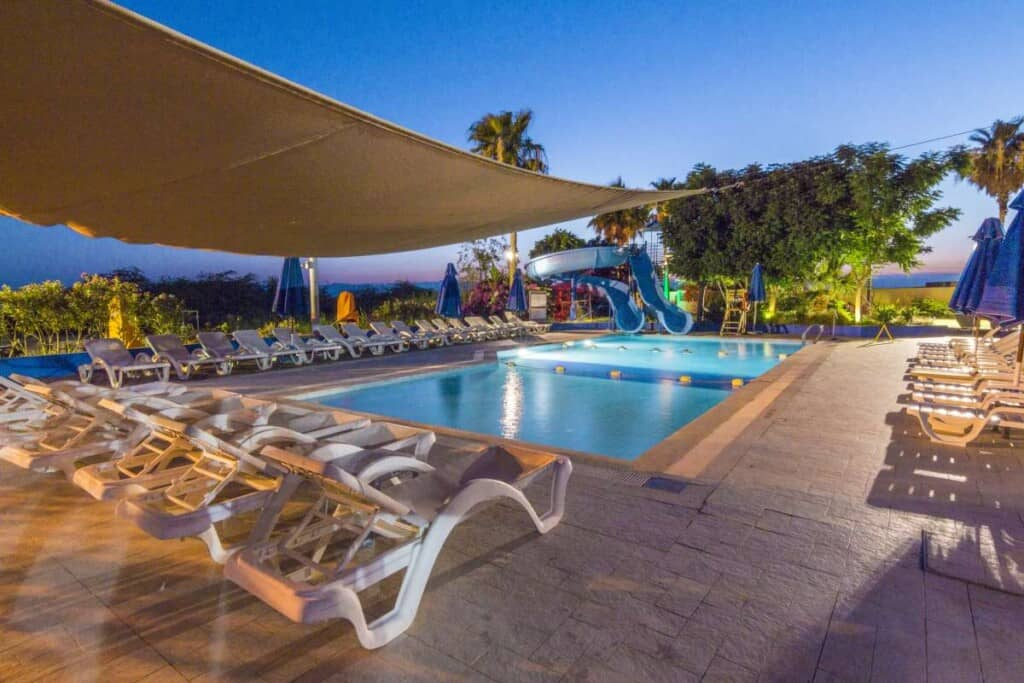 best dead sea hotels, dead sea spa resort, spa treatments, where to stay dead sea jordan, ramada