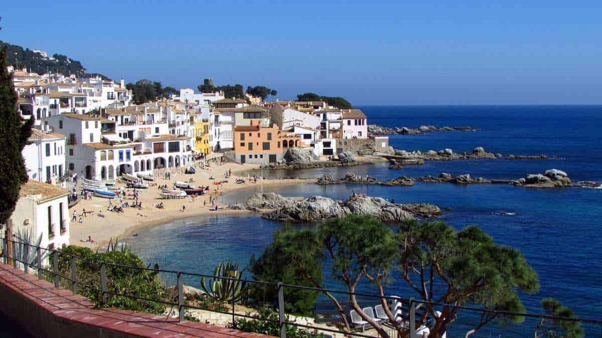 best places for winter sun in spain, warm winter holidays in spain, winter accommodation in spain, luxury winter sun holidays spain, winter sun short breaks, cheap winter breaks spain, costa brava, barcelona