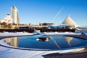 best things to do in milwaukee in winter, milwaukee winter activities, winter festivals, christmas parties, snow walks, dinner