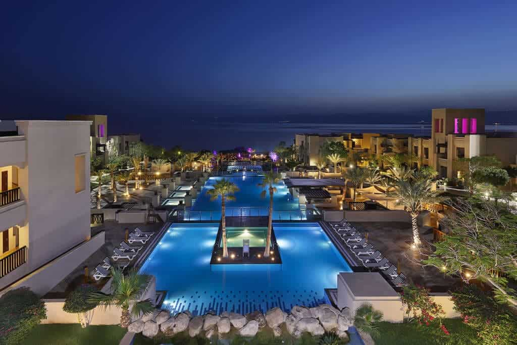 best dead sea hotels, dead sea spa resort, spa treatments, where to stay dead sea jordan, holiday inn