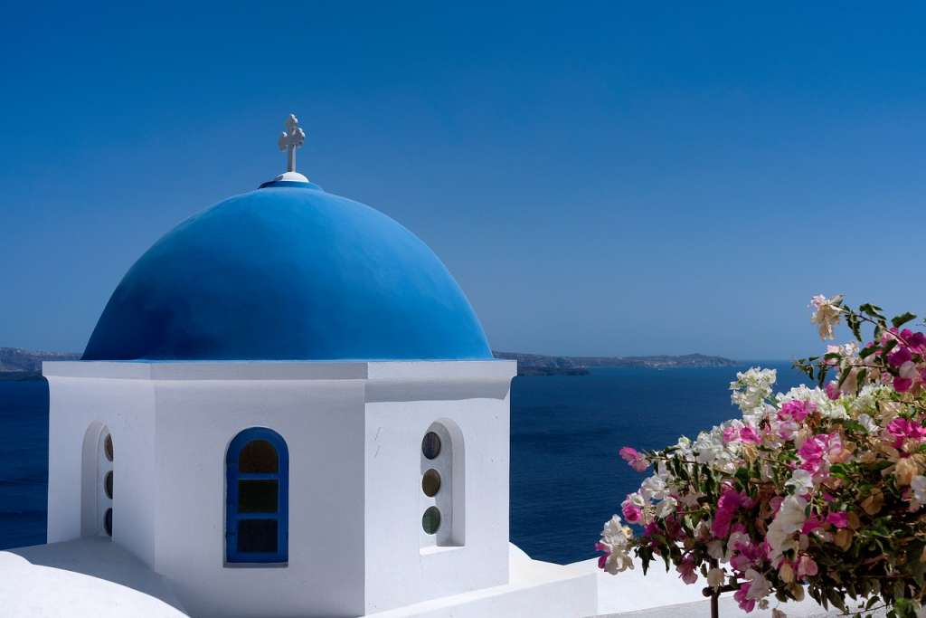 European Honeymoon Ideas, spain, italy, greece, tenerife, romantic hoenymoon, honeymoon in europe, portugal, santorini