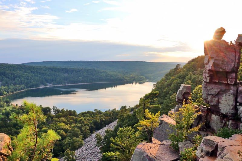 best hiking trails in wisconsin, hiking in wisconsin, outdoor wisconsin, Lake State Park, Baraboo area, Wisconsin, Midwest USA.