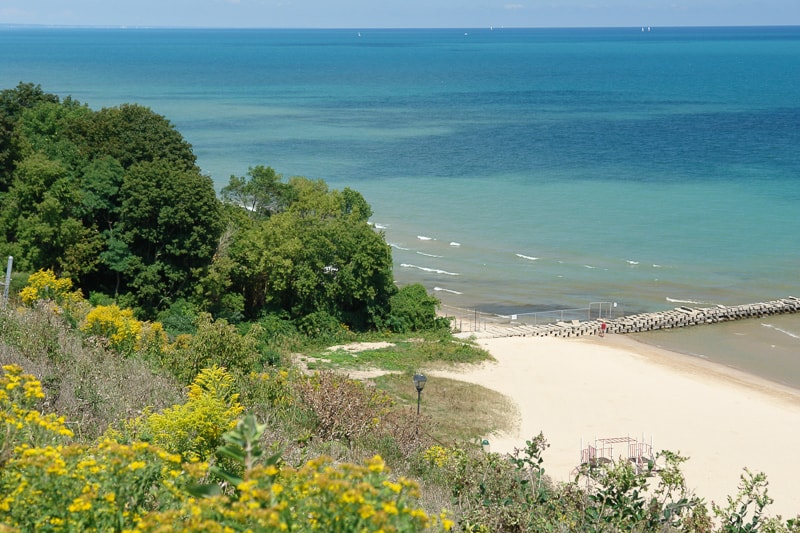 A picture of Milwaukee Wisconsin lakefront and beach from hill