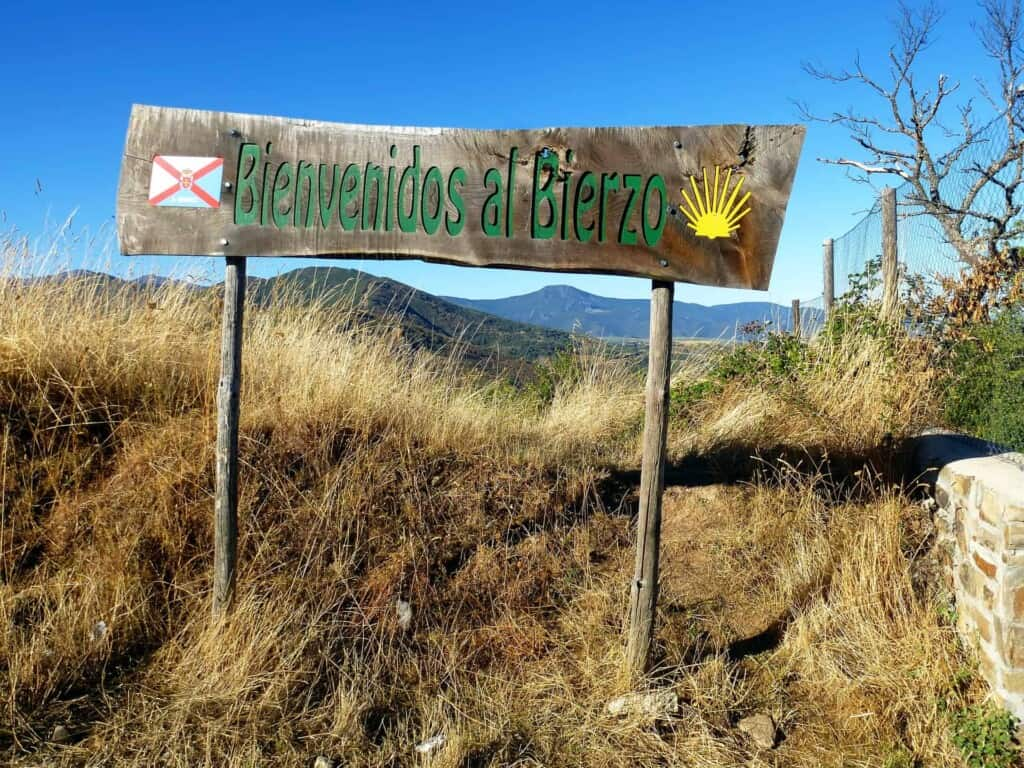 Things To Know Before Hiking Camino de Santiago Trail, Spain, hiking, trekking, guest post, travel blog, travel blogger