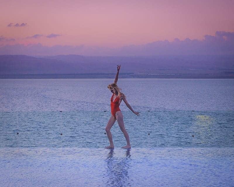 things to do in jordan, infinity pool in dead sea resort, jordan at sunset