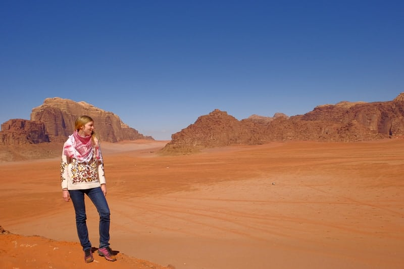 things to do in jordan, hiking in wadi rum, desert