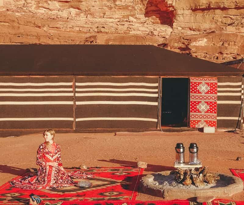 things to do in jordan, staying in wadi rum camp, bedouin camp in the desert, jordan