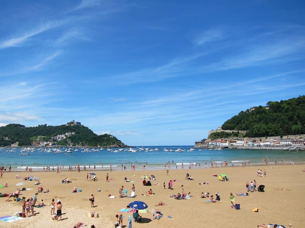 thigns to see in san sebastian, concha beach, spain, travel