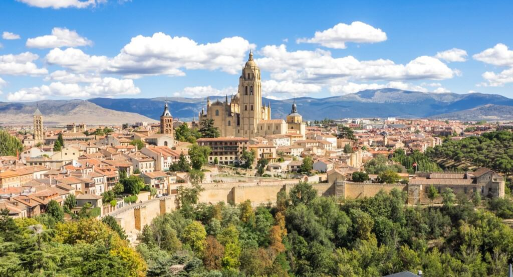 day trip from madrid to segovia, madrid day trip to segovia, segovia day trip, how to et form madrid to segovia, segovia itinerary