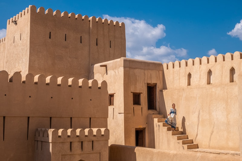 where to stay in muscat, oman, best hotels in oman, girl in niza in nizwa fort