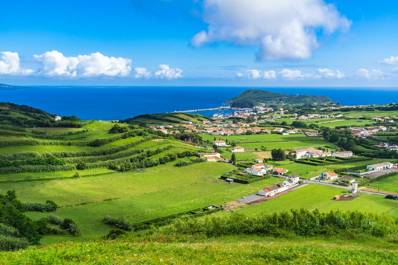 Hiking Caldeira-Faial, Faial Island, best hiking trails in azores