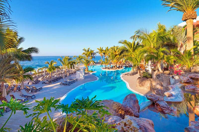 Best Family Hotels in Tenerife, Inside view of Adrián Hoteles with lake view