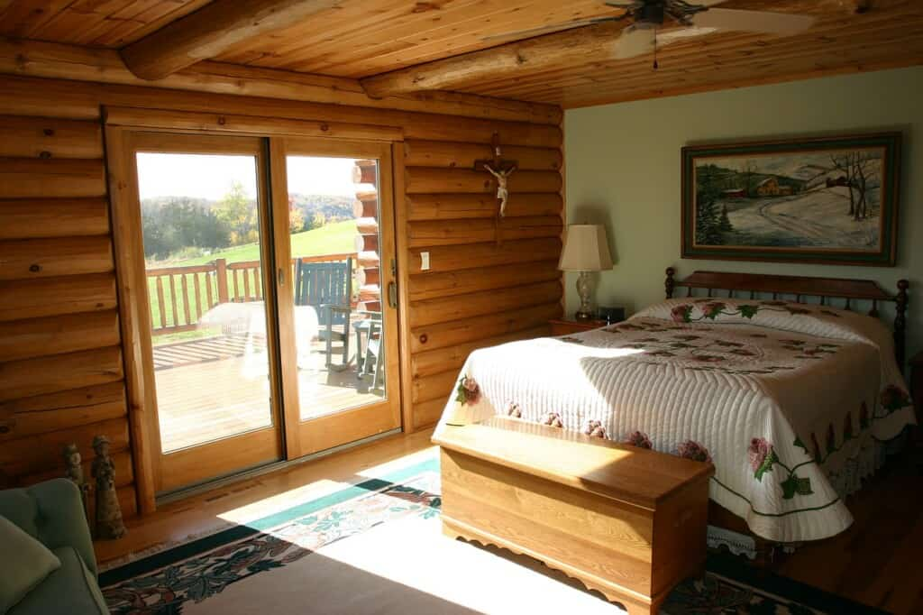 Romantic Cabins in Wisconsin, interior view of Luxury cabin