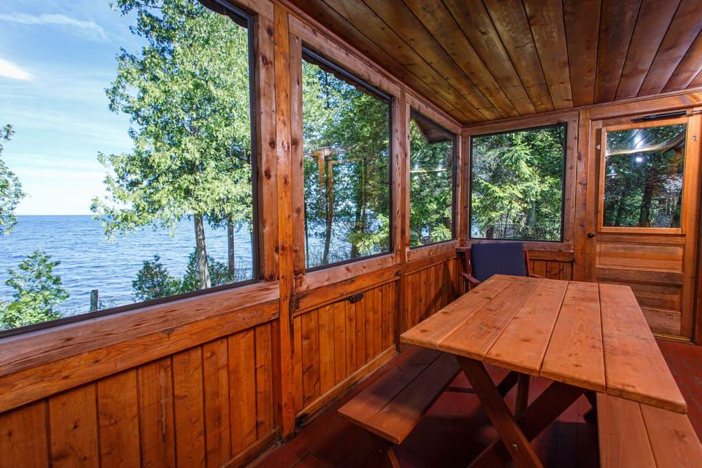 Romantic Cabins in Wisconsin, Eat-in screen porch with beautiful water view