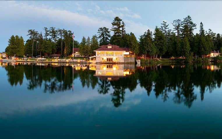 Best Resorts in Northern Wisconsin, Beautiful lakeside view of gordon lodge resort