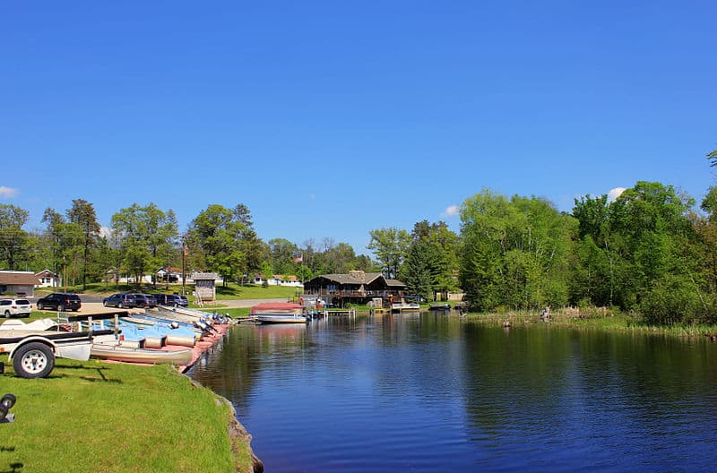 romantic getaways in wisconsin, A fishing resort on the Peshtigo River, popular with anglers