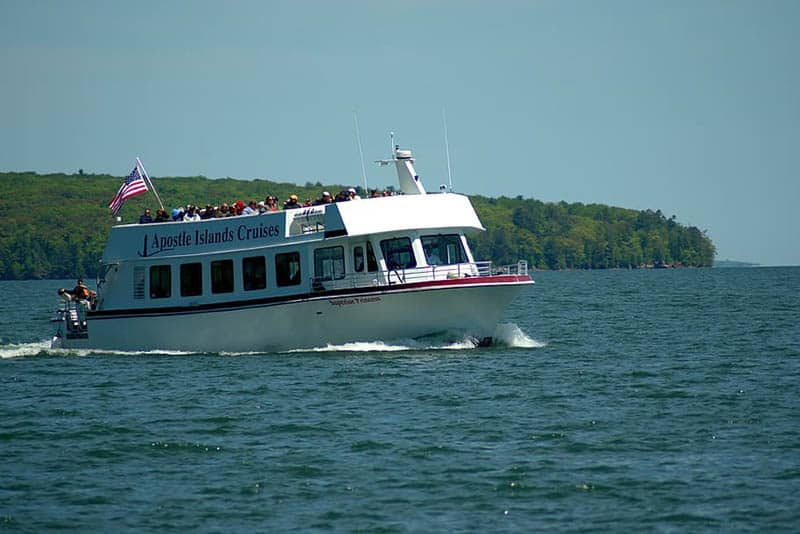 best Things to do in Apostle Islands, WI, best view of cruise in islands, apostle islands tour