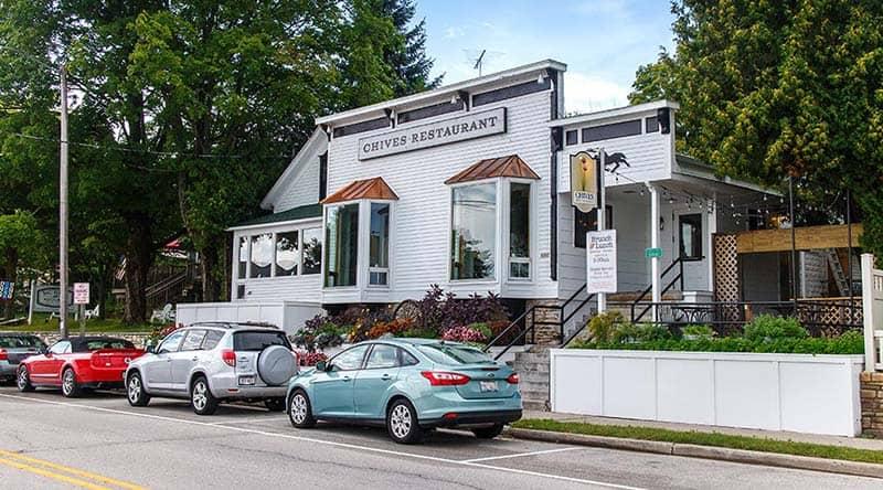 where to eat in Door County, Front view of Chives restaurant in door County