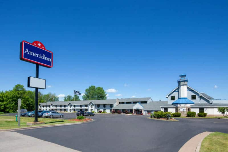 Best things to do in Apostle Islands, WI, Front view of the AmericInn in Ashland